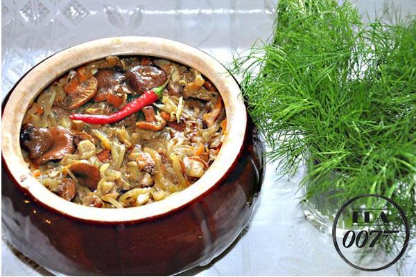 Грибной суп в в кастрюле