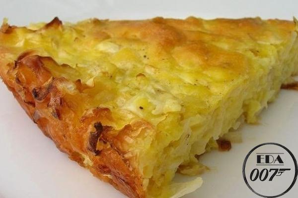 Ленивый капустный пирог готов