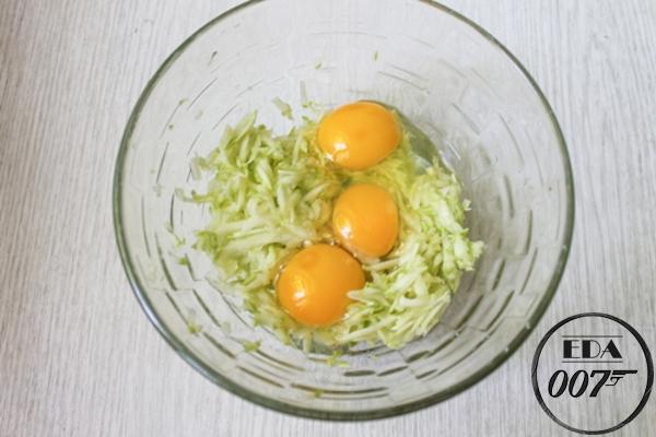 кабачки и яйца Вовки