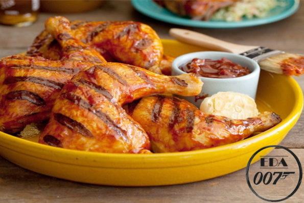 Курица на основе яблочного сока и соевого соуса.