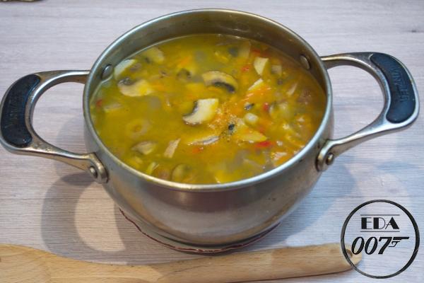 Суп с вешенками и курицей - готовое блюдо